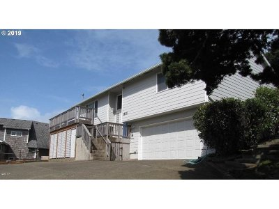 Lincoln City Single Family Home For Sale: 1835 NW 50th St