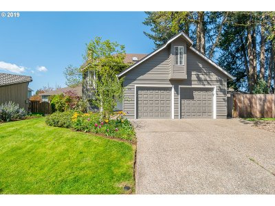 Newberg Single Family Home For Sale: 201 Park Ct
