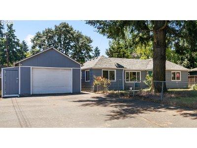 Single Family Home For Sale: 18620 NE Glisan St