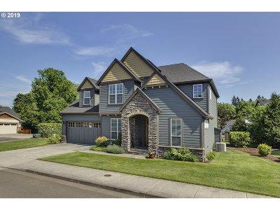 Milwaukie Single Family Home For Sale: 3864 SE Heron Glen Way