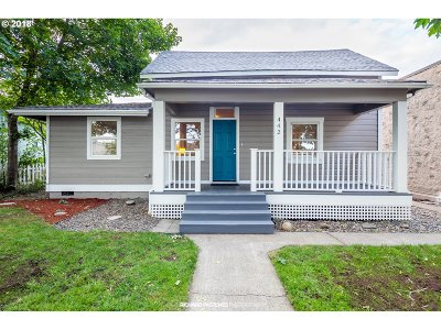 Clackamas County Single Family Home For Sale: 442 NW 2nd Ave