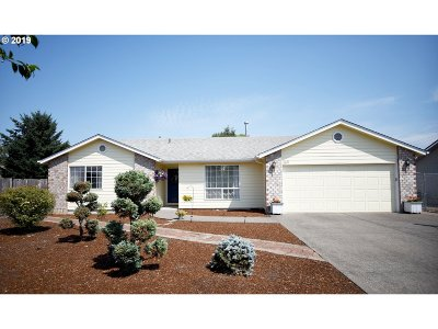 Stayton Single Family Home For Sale: 1611 Partridge Ct