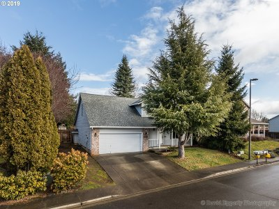 Scappoose Single Family Home For Sale: 33283 SW Linden St