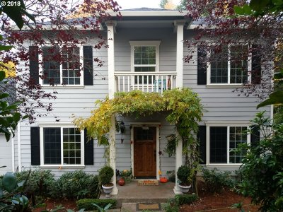 Portland Single Family Home For Sale: 6111 SW Lesser Way