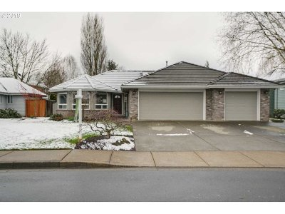 Keizer Single Family Home Pending: 910 Player Dr