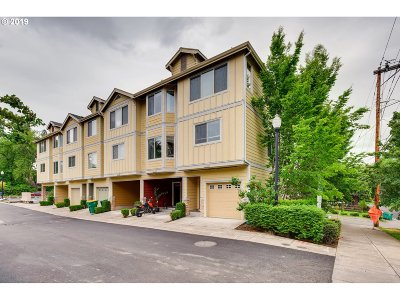 Tigard Condo/Townhouse For Sale: 10454 SW Akilean Ter