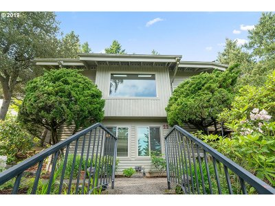 Lake Oswego Single Family Home For Sale: 22 Juarez St