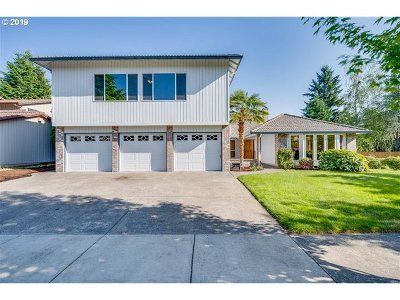 Vancouver Single Family Home For Sale: 16603 SE Fisher Dr