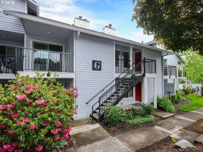 Lake Oswego Condo/Townhouse For Sale: 86 Kingsgate Rd #G203