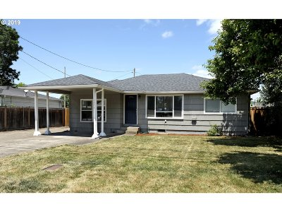 Springfield Single Family Home For Sale: 2648 J St