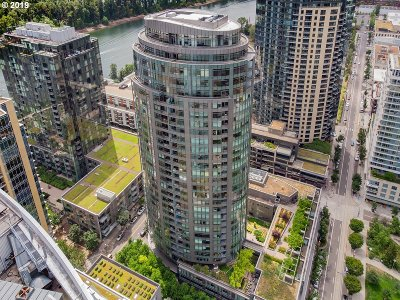 Portland Condo/Townhouse For Sale: 3601 SW River Pkwy #2502