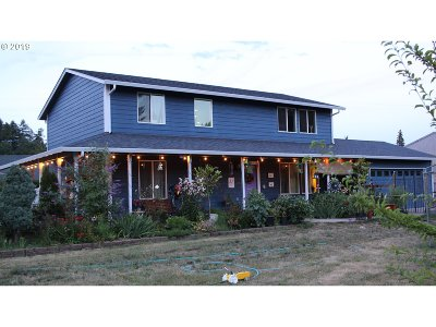 Cottage Grove Single Family Home For Sale: 77850 Mosby Creek Rd