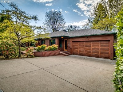 Single Family Home For Sale: 1011 SW Westwood Dr
