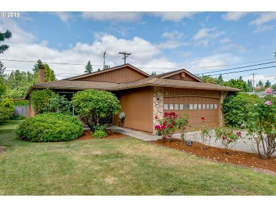 Portland Single Family Home For Sale: 1315 SE 179th Ave