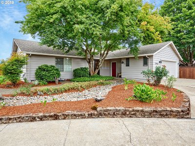 Mcminnville Single Family Home For Sale: 2440 NE Cowls Ct