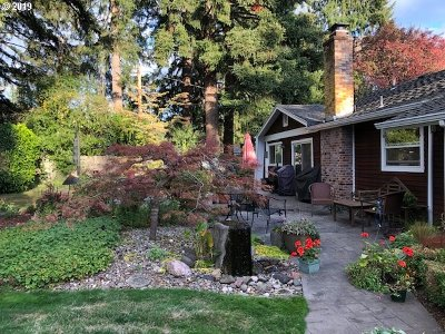 Lake Oswego Single Family Home For Sale: 5301 Childs Rd