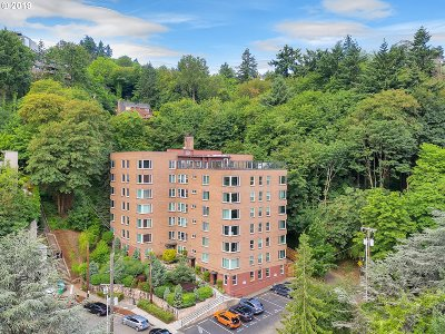 Portland Condo/Townhouse For Sale: 1205 SW Cardinell Dr #605