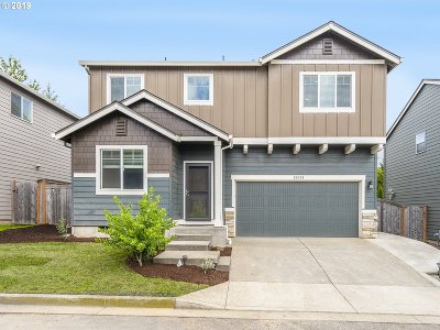 Clackamas OR Single Family Home For Sale: $489,000