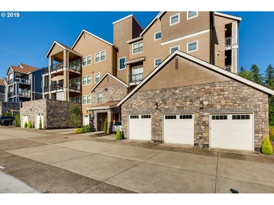 Happy Valley, Clackamas Condo/Townhouse For Sale: 11756 SE Crested Eagle Ln