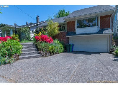 Portland Single Family Home For Sale: 840 NE 43rd Ave