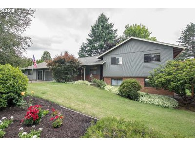 Tigard Single Family Home For Sale: 14260 SW High Tor Dr