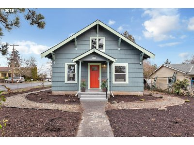 Portland Single Family Home For Sale: 6104 SE 103rd Ave
