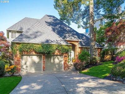 Lake Oswego Single Family Home For Sale: 13711 Melrose Pl