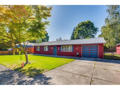 Canby Single Family Home For Sale: 643 N Locust St