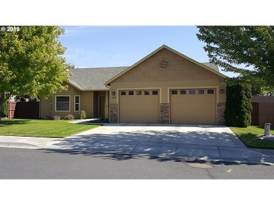 Umatilla County Single Family Home For Sale: 2222 NW Dusk Dr