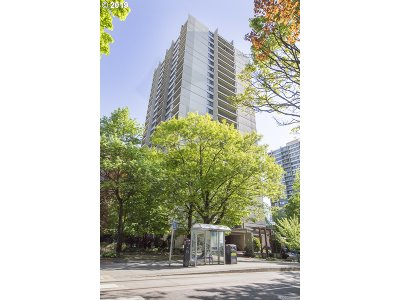 Condo/Townhouse For Sale: 255 SW Harrison St #15C