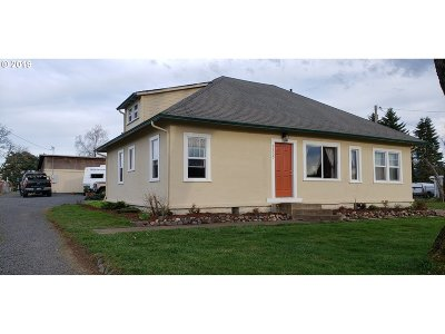 Single Family Home For Sale: 84037 N Pacific Hwy