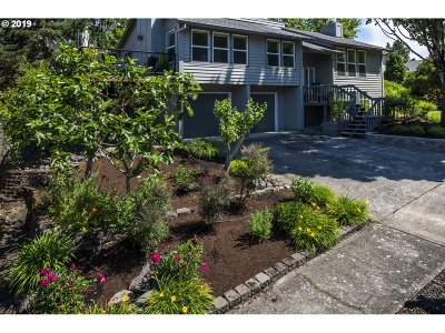 Vancouver Single Family Home For Sale: 2710 NE 157th St