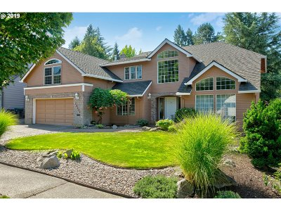 Tualatin Single Family Home For Sale: 10349 SW Moratoc Dr