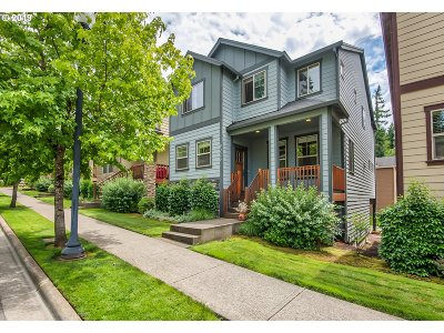 Portland Single Family Home For Sale: 9026 SW West Haven Dr