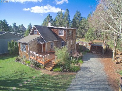 Manzanita Single Family Home For Sale: 455 County Rd