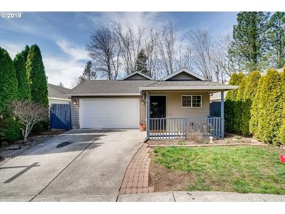 Multnomah County Single Family Home For Sale: 311 SE Maple Cir