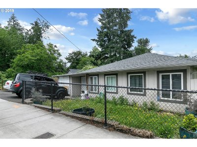 Milwaukie, Gladstone Single Family Home For Sale: 12905 SE Oatfield Rd