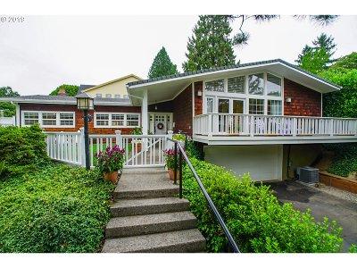Clackamas County, Multnomah County, Washington County Single Family Home For Sale: 3507 SE Bybee Blvd