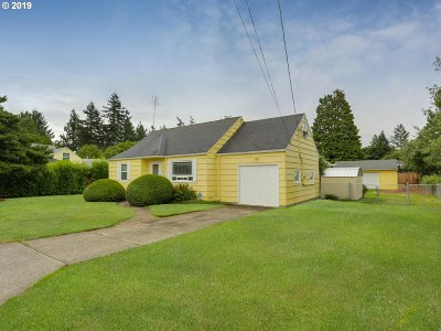 Portland Single Family Home For Sale: 12336 SE Stephens St