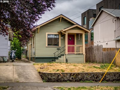 Single Family Home For Sale: 2822 SE Ankeny St