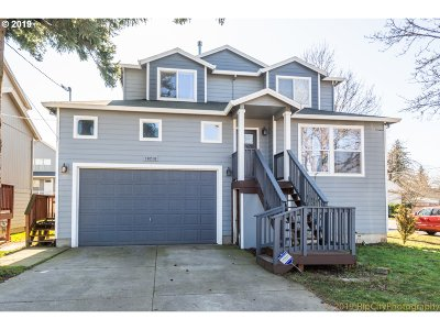 Single Family Home For Sale: 10210 SE Reedway St