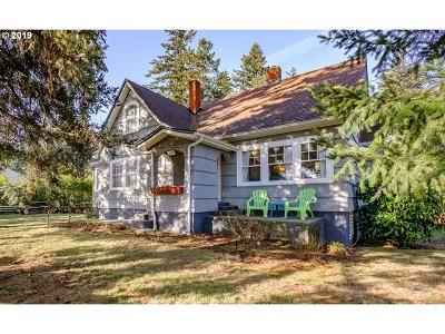 Portland Single Family Home For Sale: 6143 SE 122nd Ave