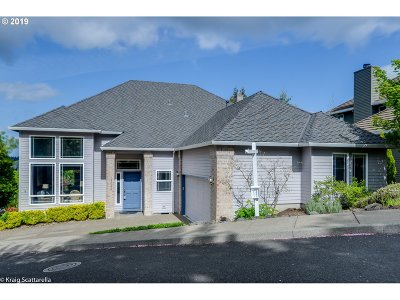 Beaverton Single Family Home For Sale: 15035 SW Capstone Ct