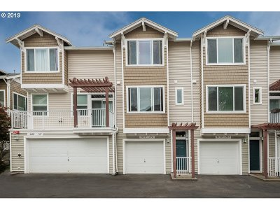 Beaverton Condo/Townhouse For Sale: 8680 SW 147th Ter #102