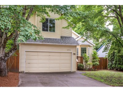Portland Single Family Home For Sale: 9318 SW 42nd Ave