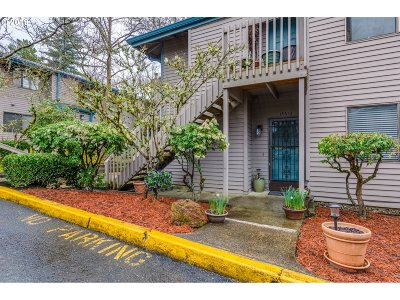Beaverton Condo/Townhouse For Sale: 14610 SW Grayling Ln