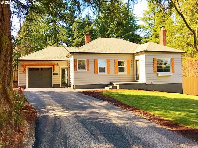 Portland Single Family Home For Sale: 8935 SW 40th Ave