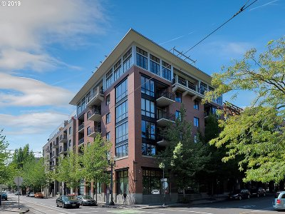 Portland Condo/Townhouse For Sale: 726 NW 11th Ave #104