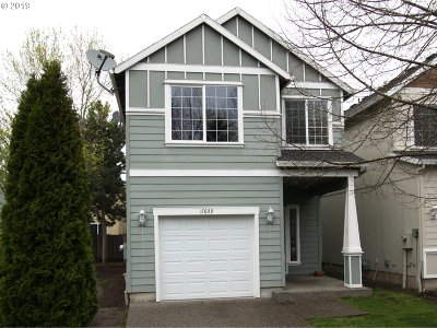Beaverton Single Family Home For Sale: 17659 SW Falling Leaf Ct