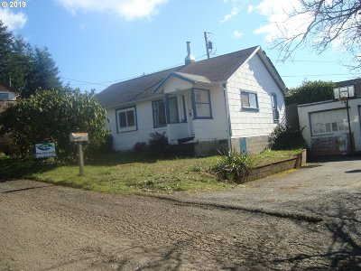 Coquille Single Family Home For Sale: 827 E 11th St